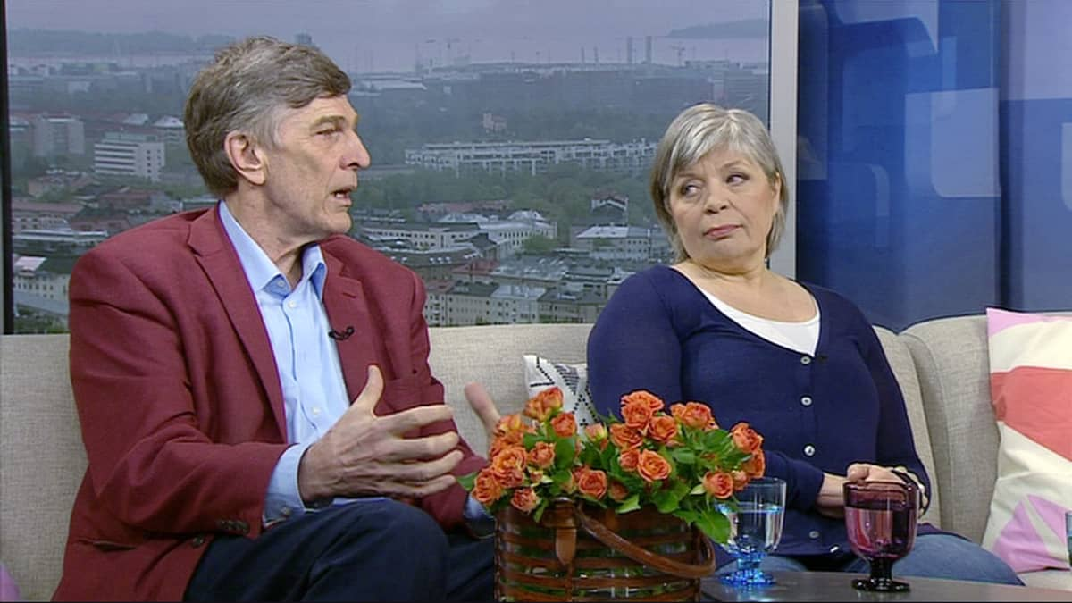 Entiset kansanedustajat Esko-Juhani Tennilä ja Arja Alho.