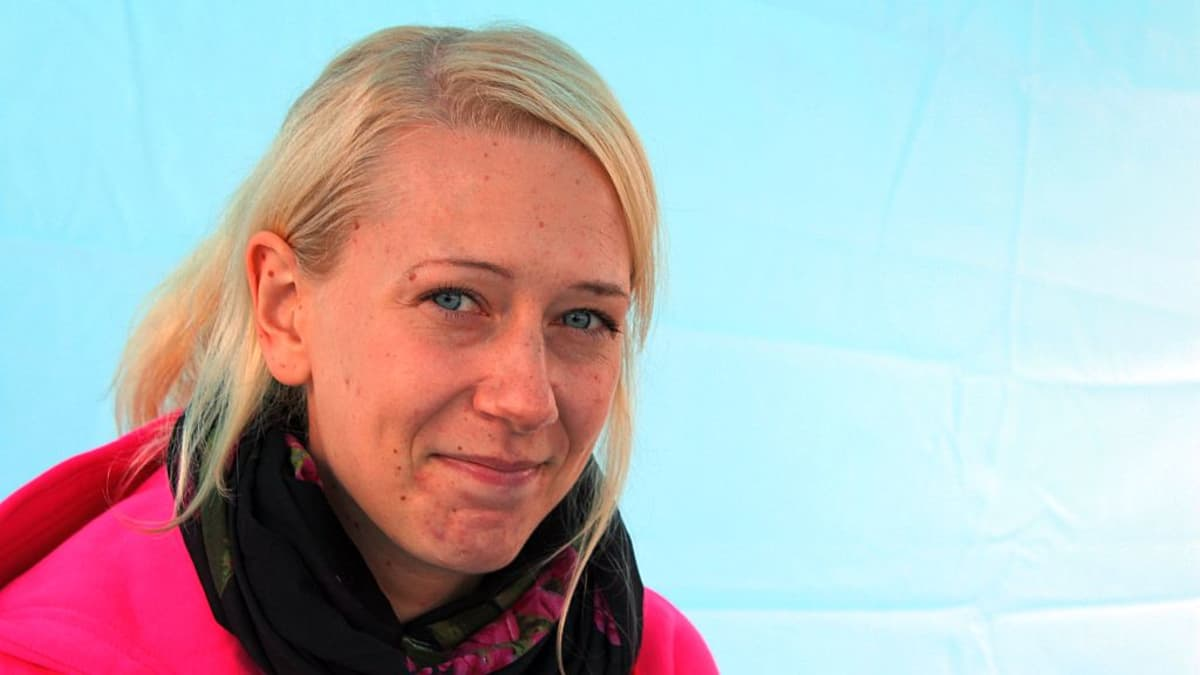 Urheiluhieroja Jonna Laulumaalla on myös liikunnanopettajan koulutus.