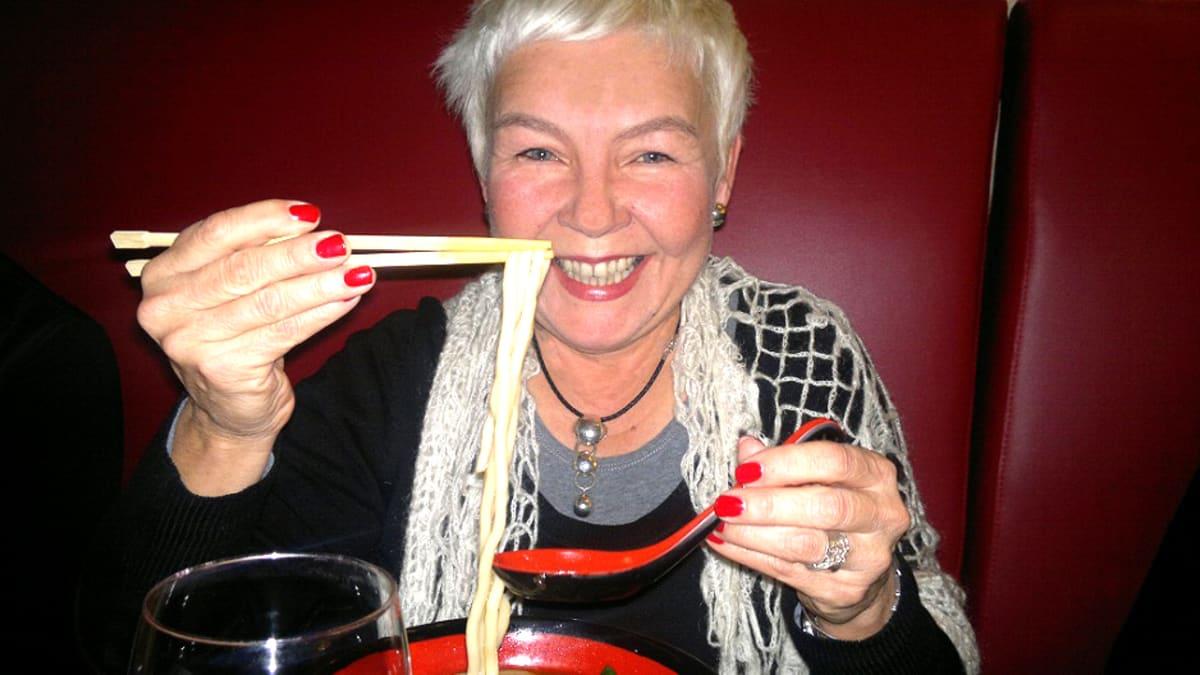 Ruokakulttuurin tutkija Maarit Knuuttila