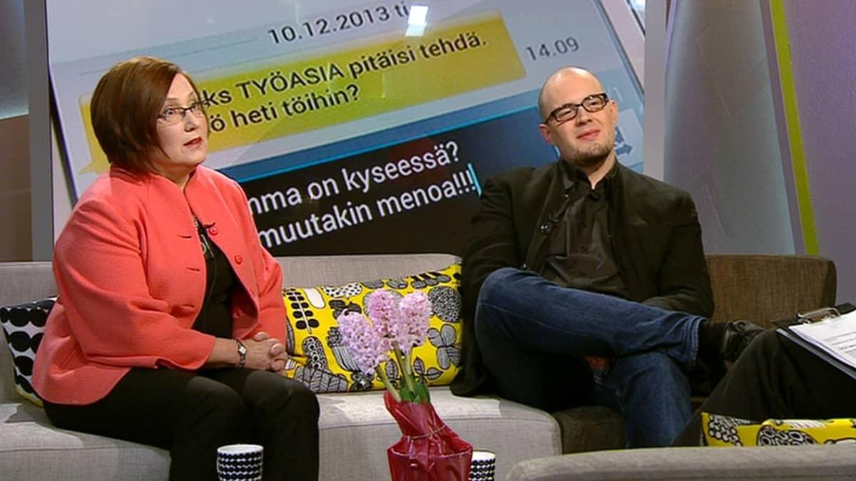 Ammattiliitto Pron johtaja Tuovi Orpana ja tutkija Markus Neuvonen.