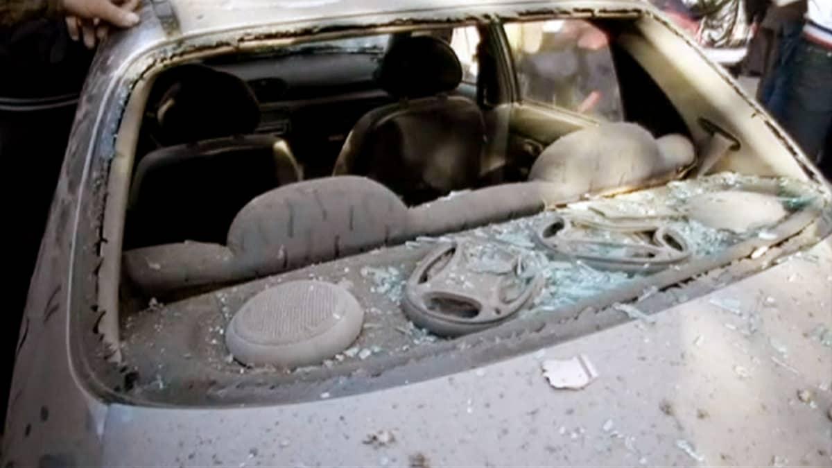 Pommi-iskun aiheuttamaa tuhioa Kairossa.