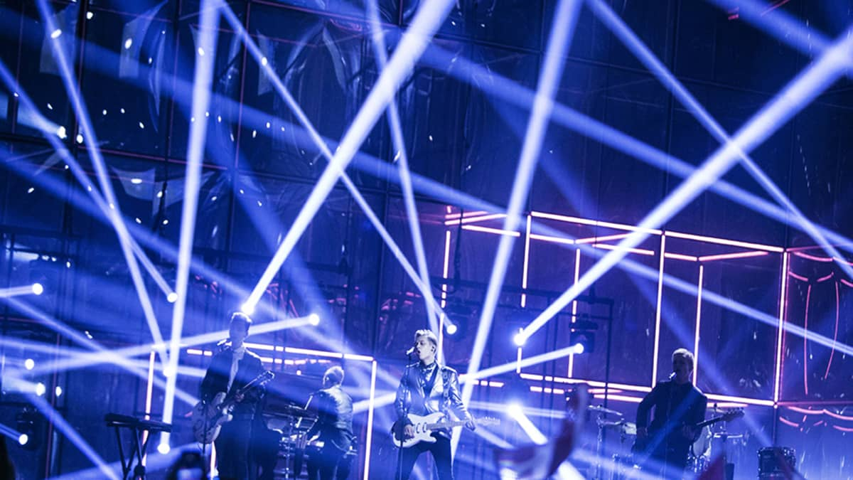 """Softengine esitti kappaleen """"Something Better"""" Euroviisujen toisessa semifinaalissa Kööpenhaminassa 10. toukokuuta."""