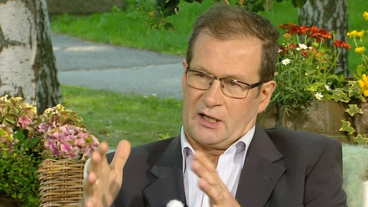 Suomen pankin ekonomisti Vesa Korhonen aamu-tv:n vieraana 22. heinäkuuta.