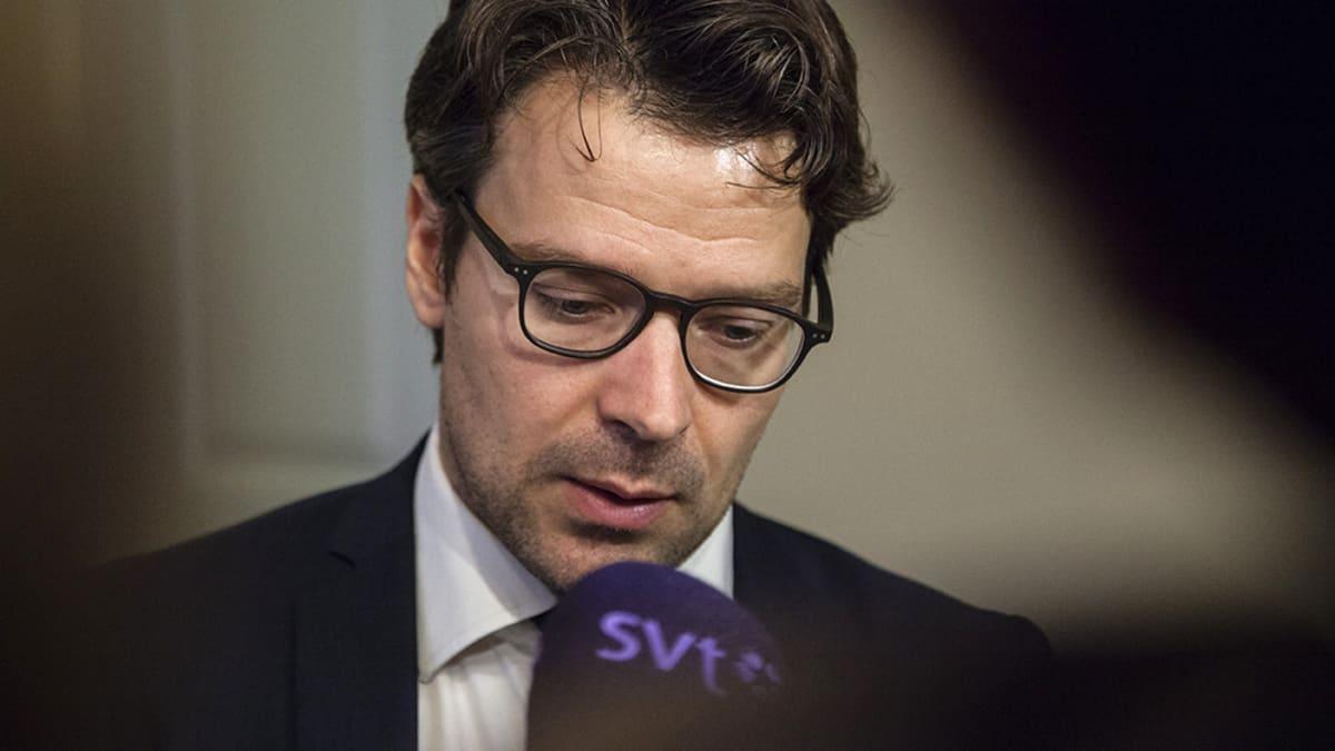 Ympäristöministeri Ville Niinistö  valtioneuvoston istunnon jälkeen 18. syyskuuta.