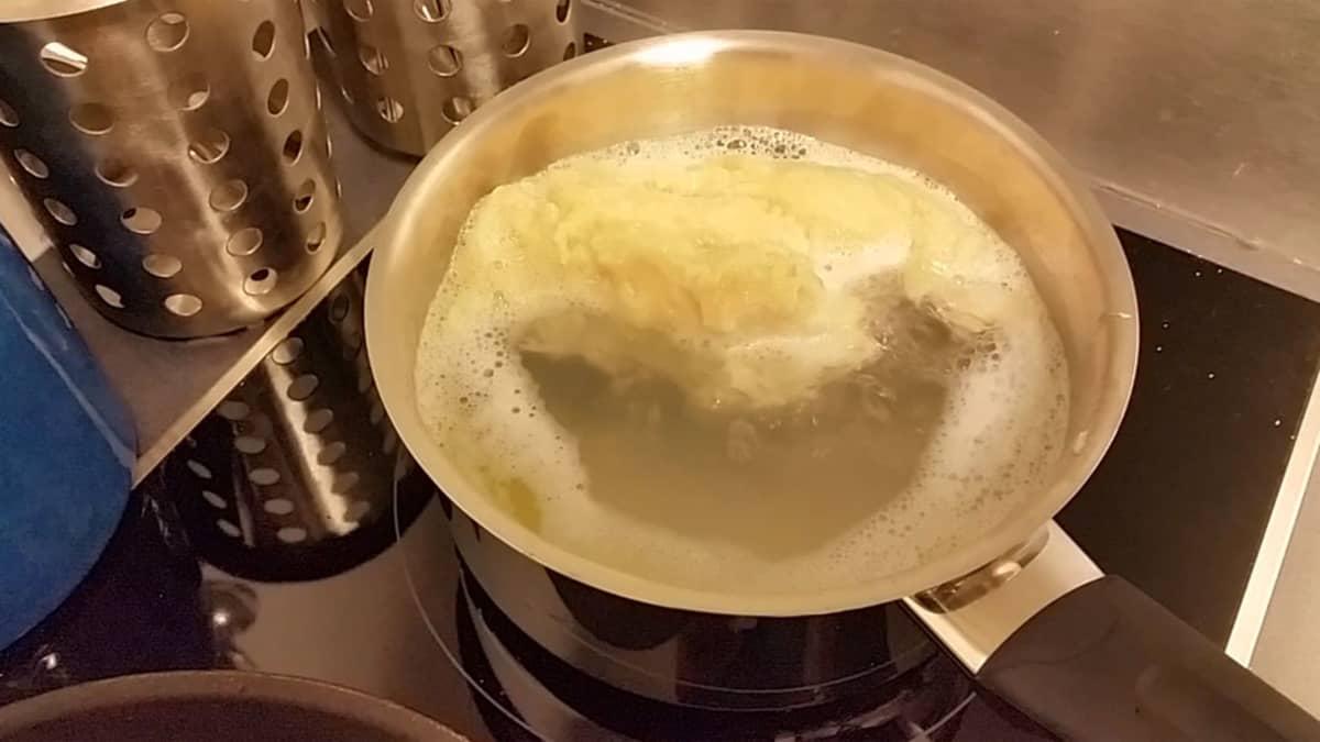 Leivän kypsyttämienn vedessä onnistuu, mutta lopputulos on vähän puuromainen.