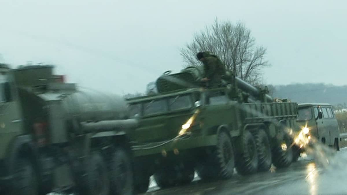 Venäläinen sotilassaattue.