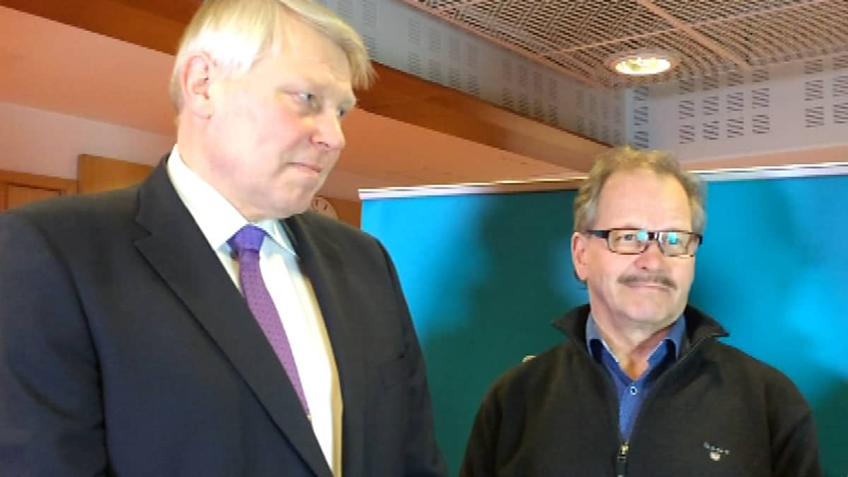 Eero Suutari ja Raimo Piirainen Yle Kainuun toimituksessa.
