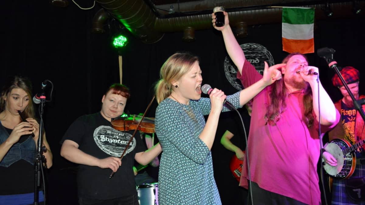 The Band of Shysters keikalla Kuopiossa Pannuhuoneella 13.3.2015