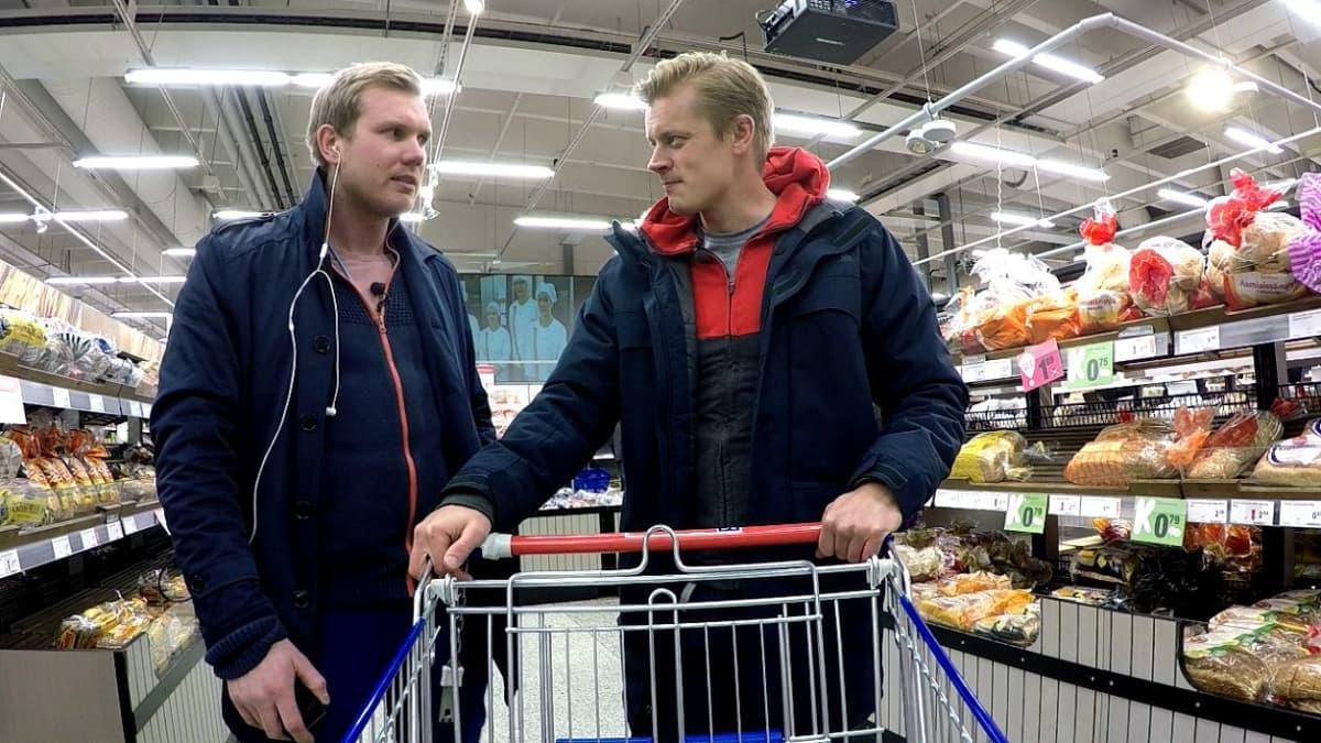 Tomi Kokko ruokakaupassa