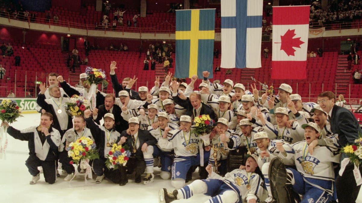 Suomen ensimmäiset jääkiekon maailmanmestarit