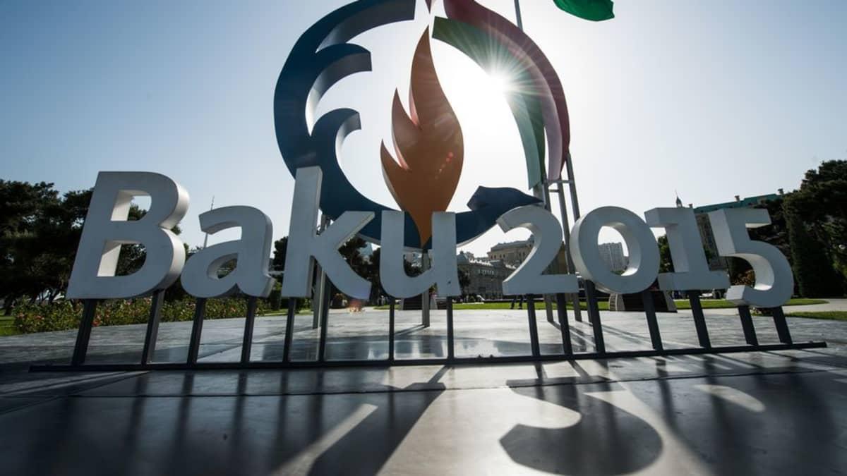Baku 2015 kyltti ja logo