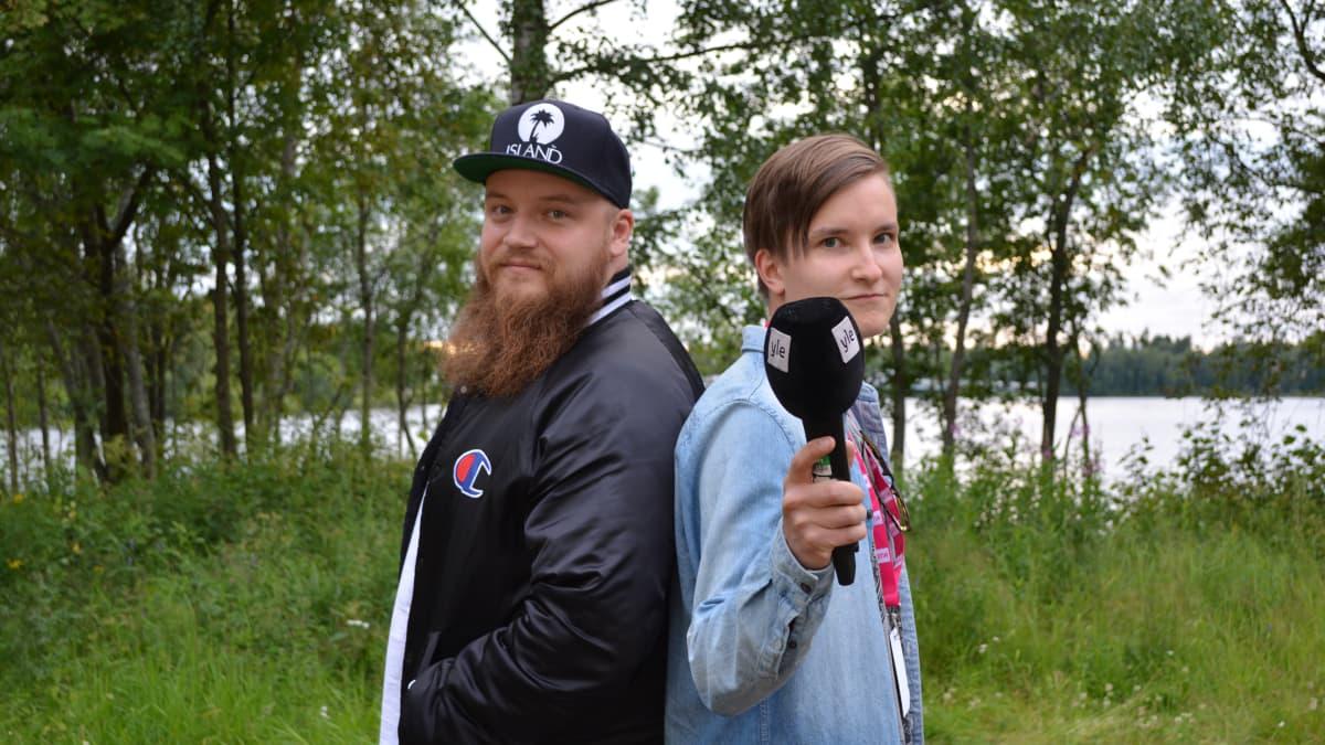 Kasmir kertoi Mirko Siikaluomalle haastattelustaan siitä, miltä artistin kesäloma tuoksuu vai kerkeekö hän sellaista pitämään.