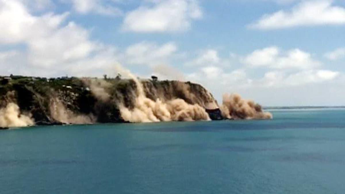 Kuvassa näkyy maanjäristyksessä sortuva rantakallio Uuden-Seelannin Christchurchin lähellä.