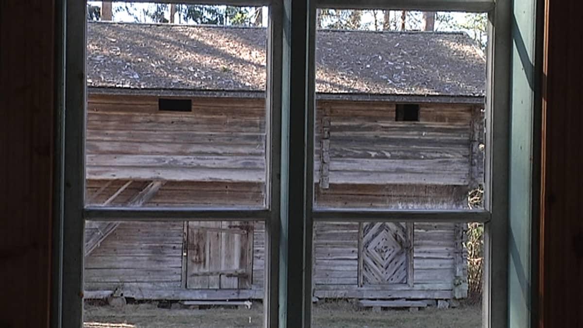 Pihalta löytyy kymmenen rakennusta kerättynä eri puolilta Keuruuta.