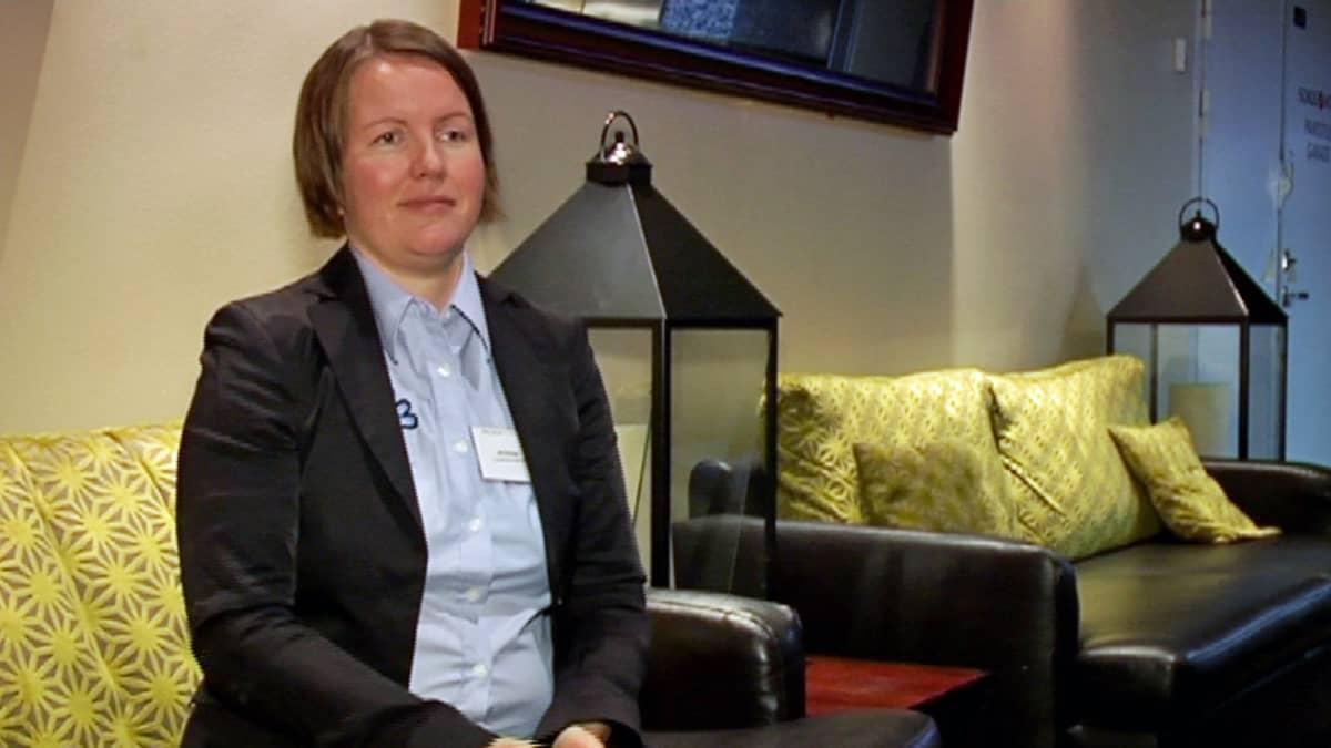 Projektikoordinaattori Ulla Sivunen haastattelukuvassa.