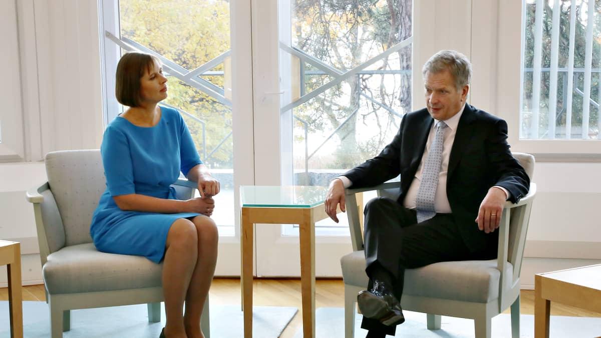 Viron presidentti Kersti Kaljulaid ja presidentti Sauli Niinistö.
