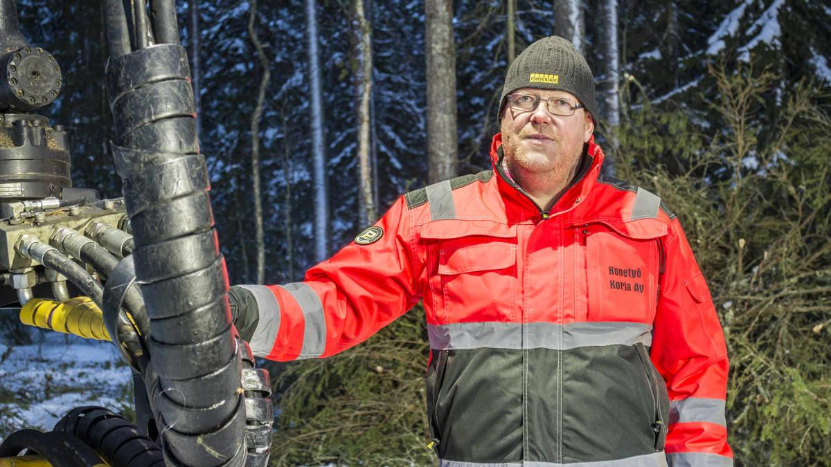 Metsäkoneenkuljettaja Iiro Pikkarainen