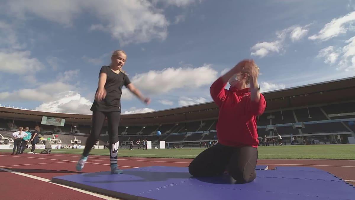Lasten mietteitä liikuntaharrastuksista olympiapäivänä