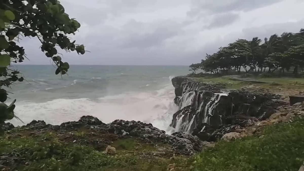 Elsa-myrsky riehui Karibialla
