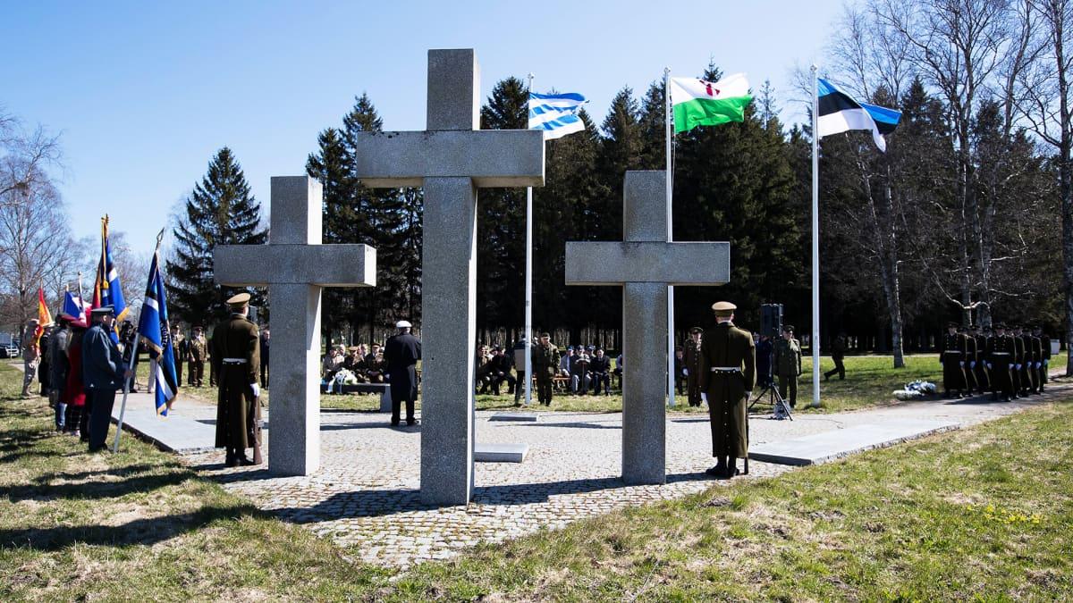 Toisen maailmansodan uhrien muistomerkki Maarjamäessä Tallinnassa.