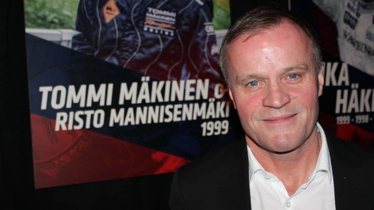 Tommi Mäkinen oli  menettää 1994 Jyväskylän MM-rallin voiton Ruuhimäen hypyissä.