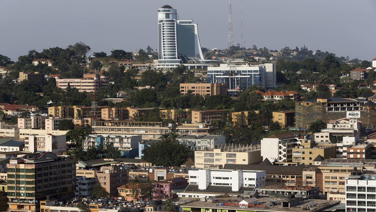 Pearl of Africa -hotelli kukkulan päällä Kampalassa Ugandassa.
