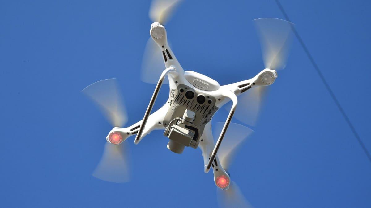 Drone lentämässä.