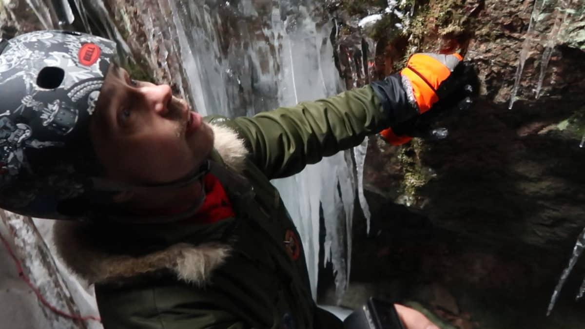 Kansallispuiston luola sijaitsee vaarallisessa ja vaikeasti tavoitettavassa paikassa.