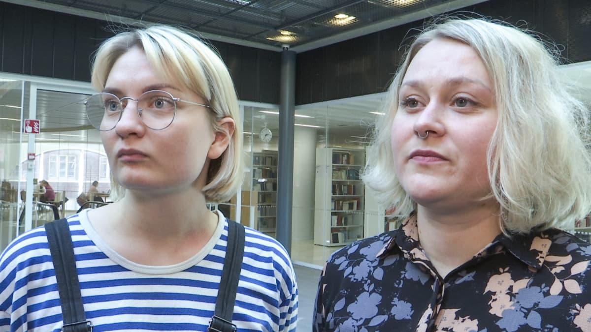 Elisa Kääriäinen ja Tuuli Mäkinen.