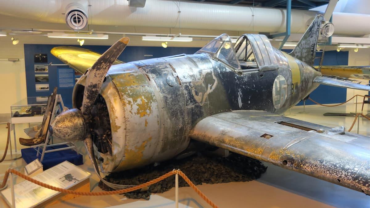 Brewster BW-372.