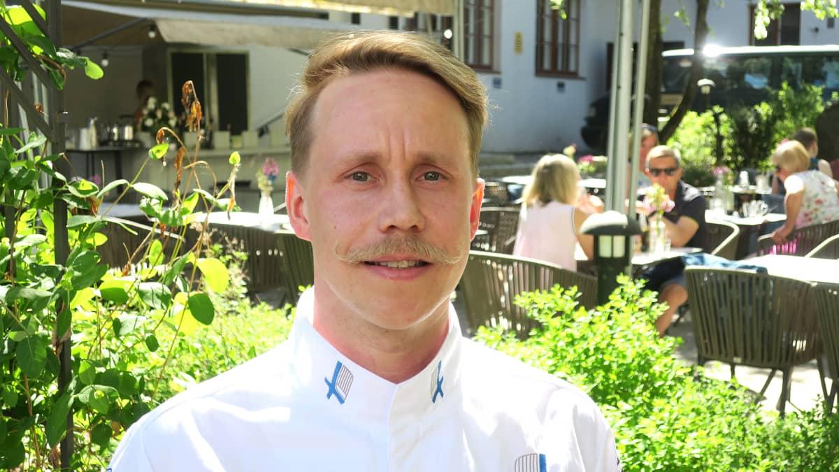 Ravintola Harmoonin keittiömestari Juha Lehtonen.