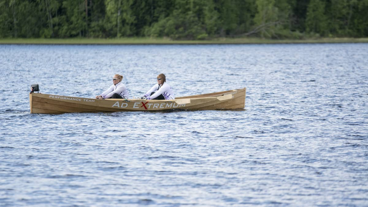 Suomenlahden yli soutamalla