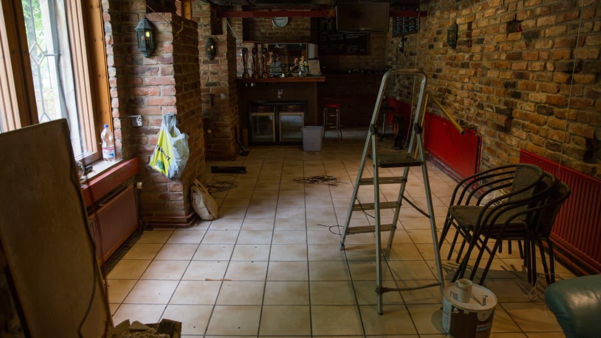 Remontissa oleva ravintolasali entisen ravintola Lekkerin kiinteistössä.