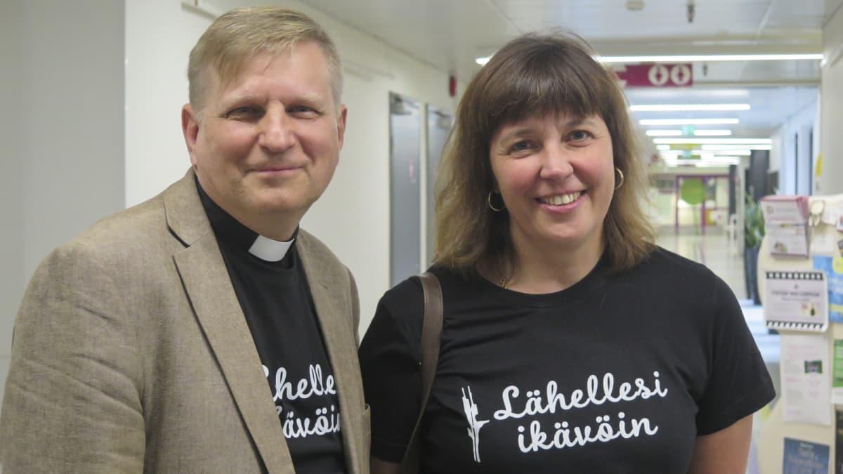 Olli Hallikainen ja Outi Lehtipuu kertovat körttiläisyydestä.