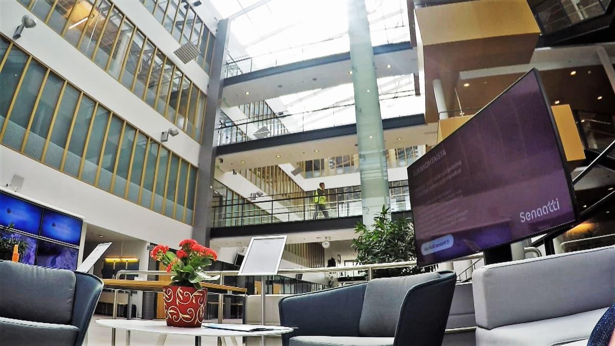 Viestintäviraston aula.
