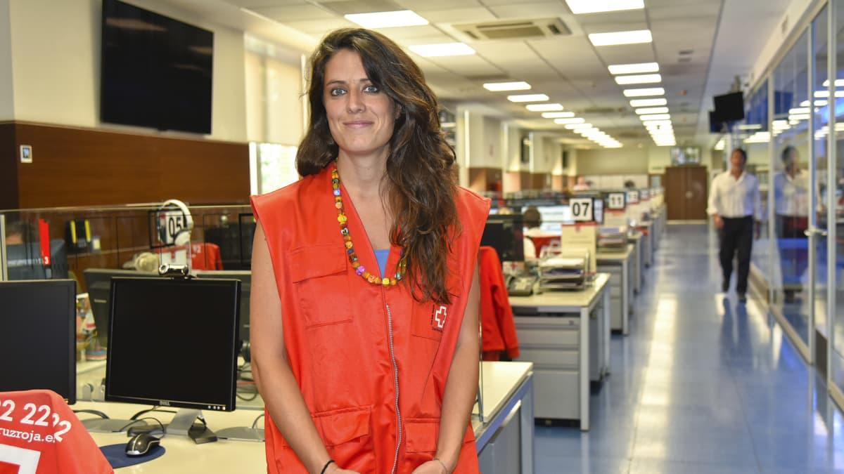 Espanjan Punaisen ristin humanitäärisestä avusta vastaava Lola Sánchez järjestön päämajan operatiivisessa keskuksessa Madridissa.