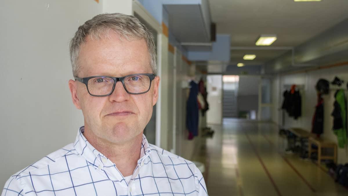 Rehtori Veli-Pekka Mäkeläinen