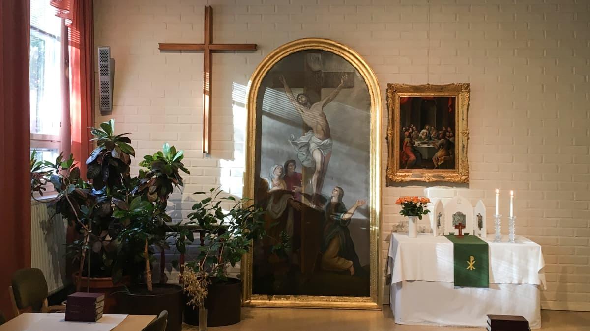 Kiihtelysvaaran kirkon pelastettu alttaritaulu.