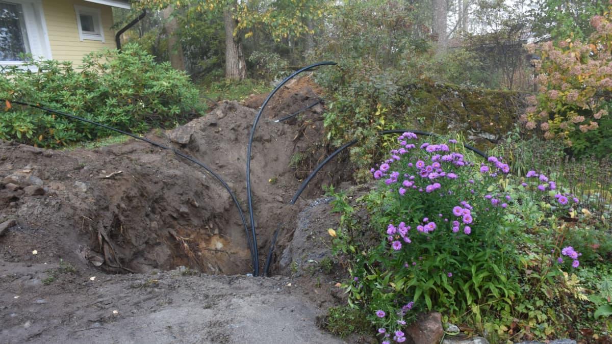 Auki kaivettu piha