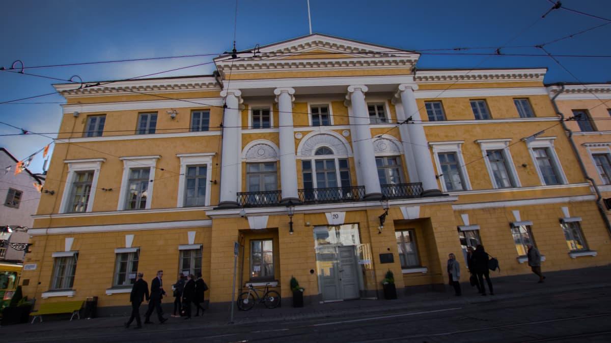 Helsingin keskustassa oleva keltainen Bockin talo.
