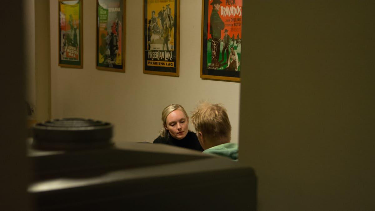 Maria Ohisalo Savon Sanomien haastattelussa Kuopion Kino Kuvakukossa