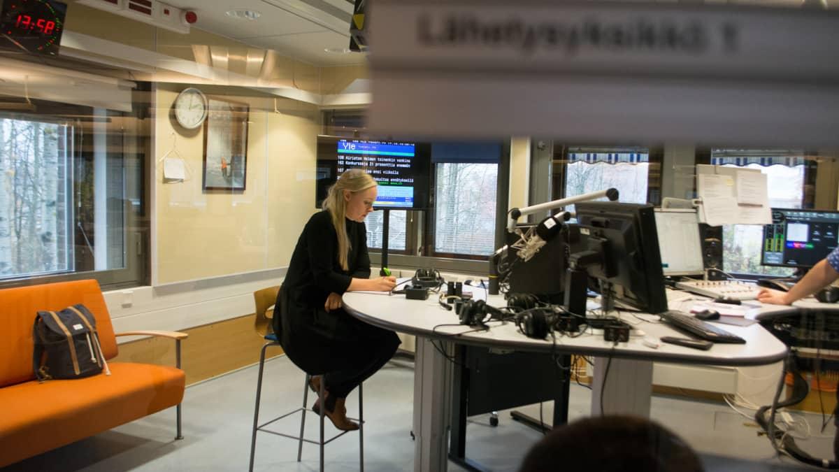 Maria Ohisalo Yle Kuopion studiossa 17.10.