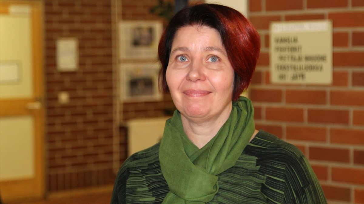 Äidinkielen opettaja Piila Paalanen