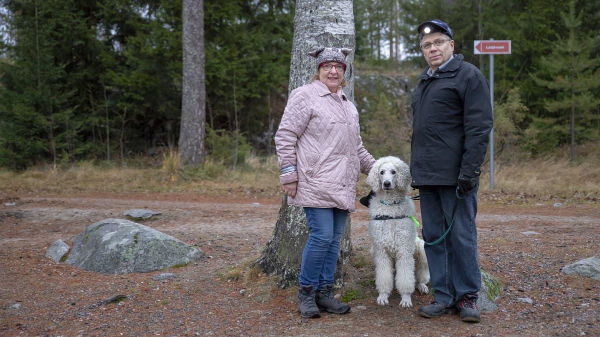 Pirjo Lahtinen, Turre-koira ja Otto Lahtinen.