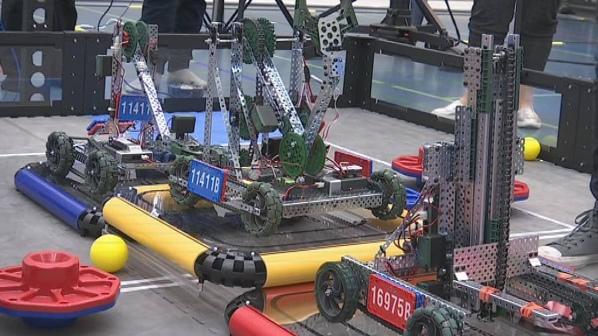 VEX EDR -kehitysalustan robotti Riihimäellä