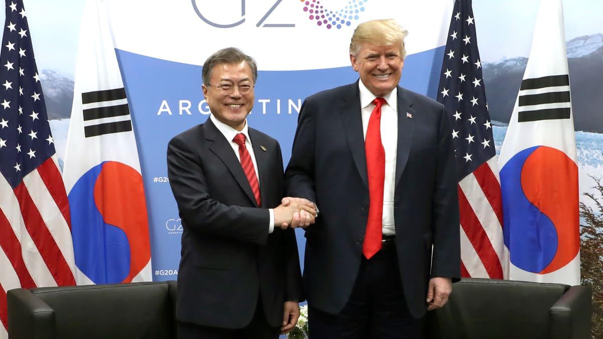 USA:n ja Etelä-Korean presidentit Donald Trump ja Moon Jae-in