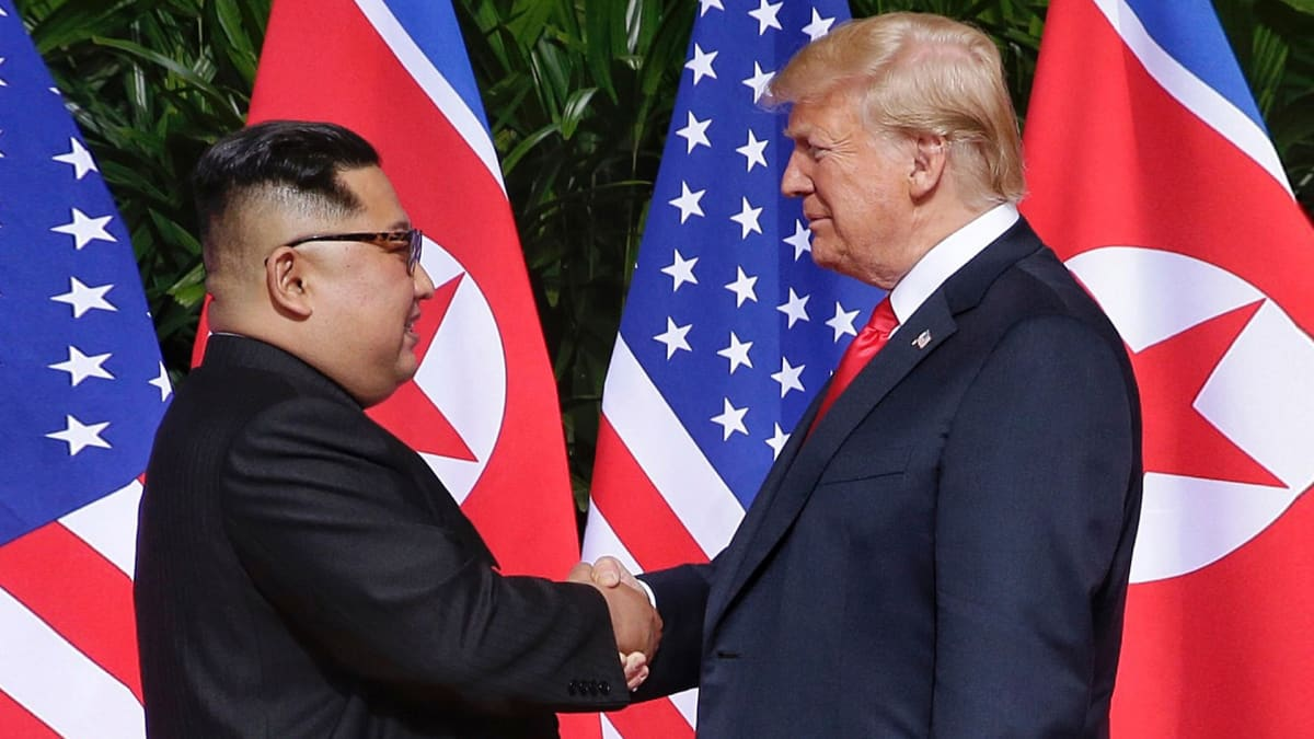 Pohjois-Korean johtaja Kim Jong-un ja USA:n presidentti Donald Trump