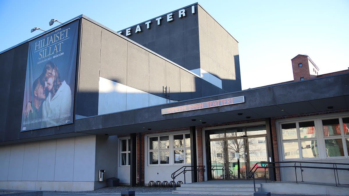 Hämeenlinnan teatteri ulkoa.