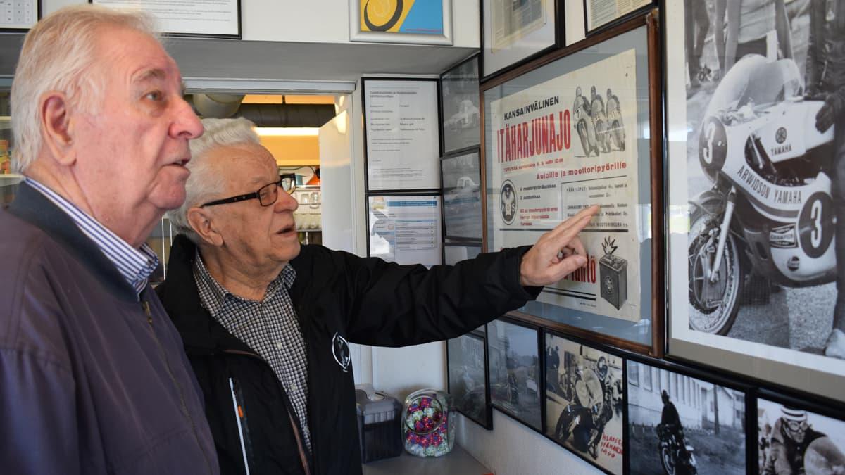 Lasse Rosvall ja Aulis Paarala muistavat hyvin kotikulmilla ajetut Itäharjun ajot.