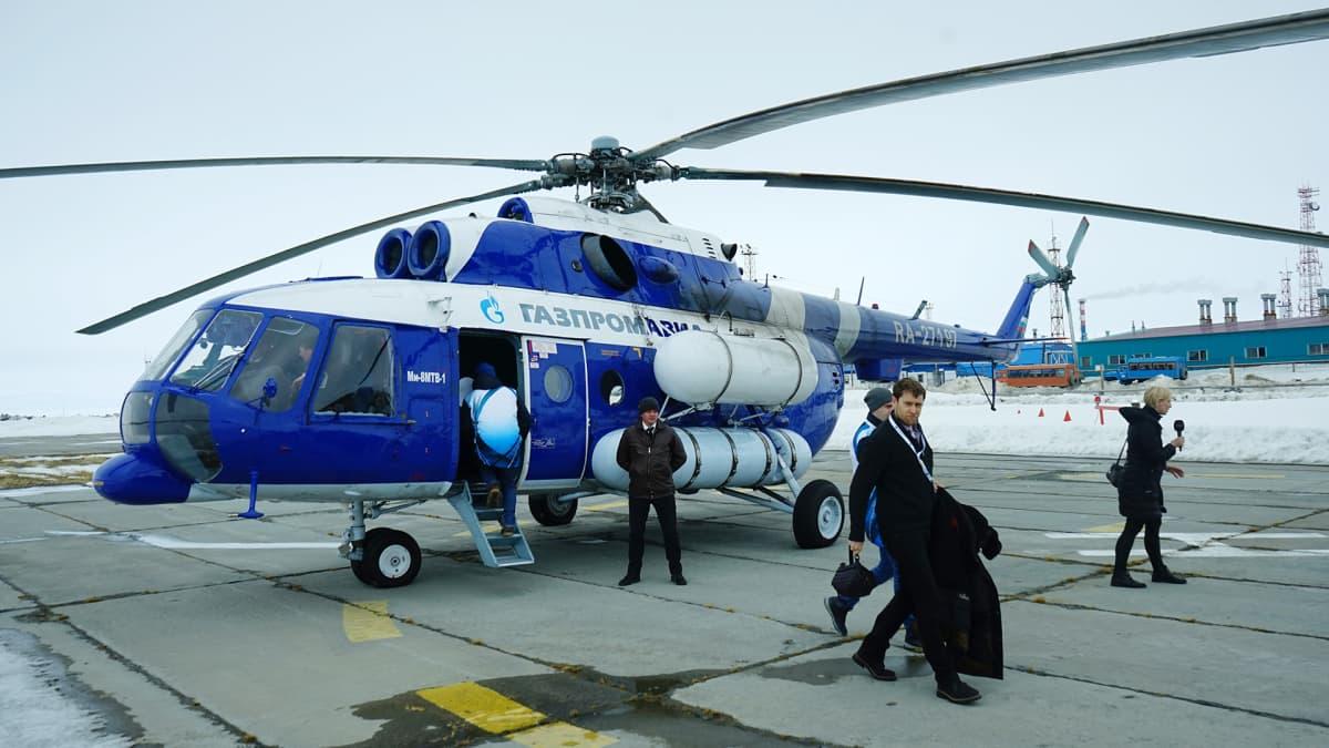 Bovanenkovon jättimäisellä kaasukentällä kätevin tapa liikkua on helikopteri.